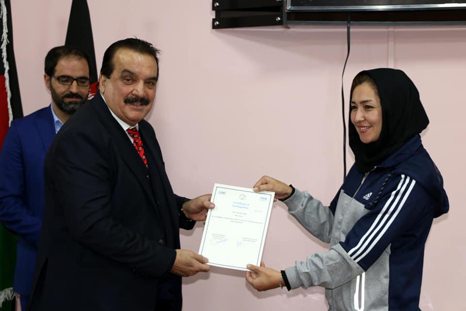 کارگاههای آموزشی مدیریت ورزش و داوری والیبال امروز به پایان رسید .