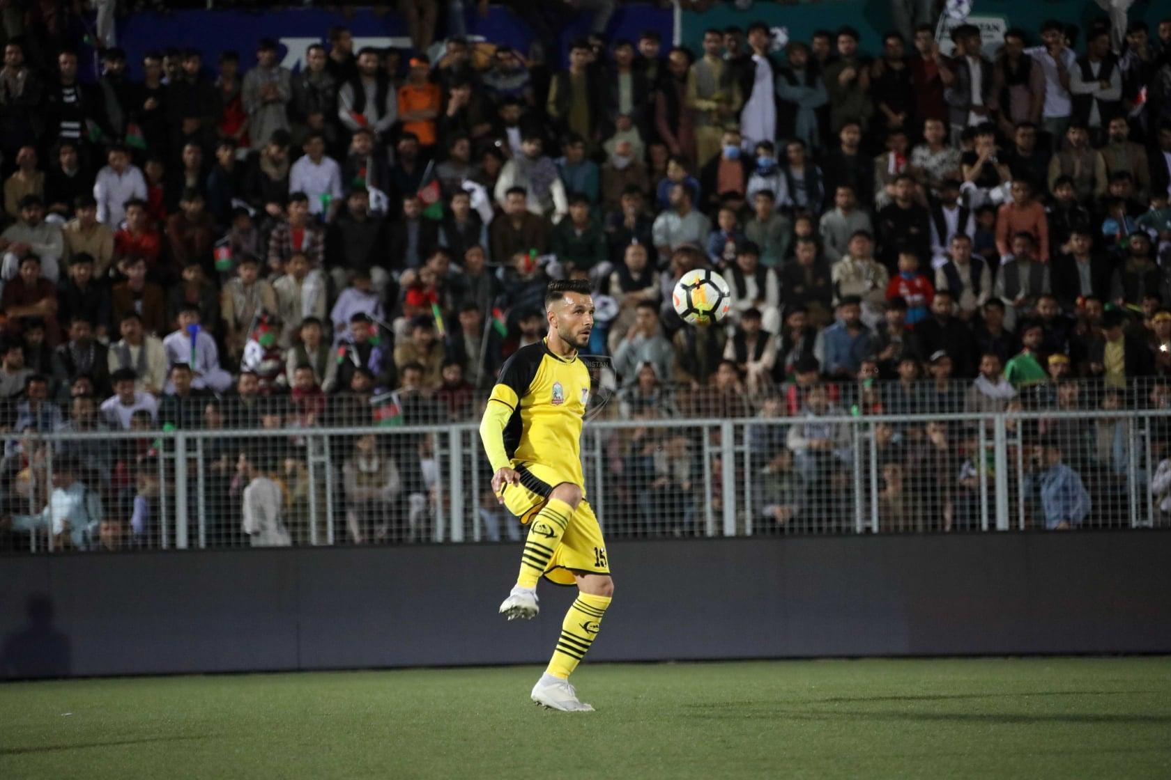 قهرمانی شاهین آسمایی در فصل نهم لیگ برتر فوتبال کشور